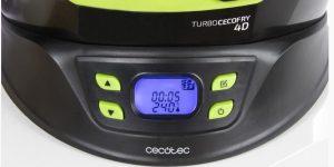 display para ajustar temperatura, tiempo y programa de cocción de la freidora cecofry 4d