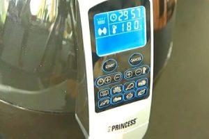 display de la freidora princess 182020 con la temperatura y los modos de cocción